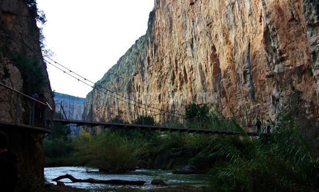 puente colgante chulilla