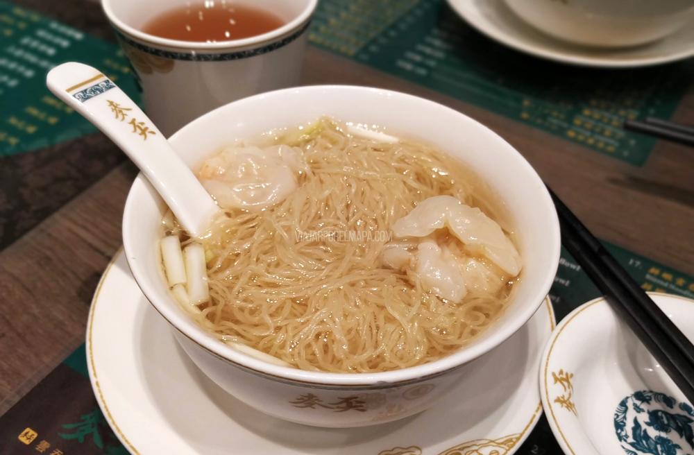 sopa wonton de Mak's noodles. Dónde comer en Hong Kong
